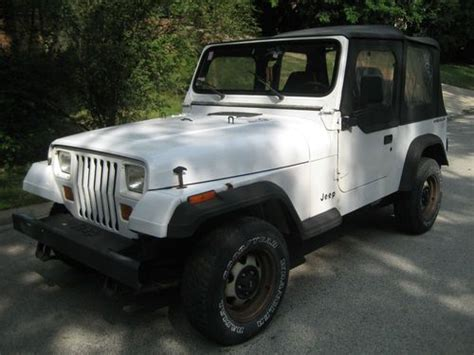 manual cars for sale 1994 jeep wrangler interior lighting find used 1994 jeep wrangler s sport utility 2 door 2 5l manual in hickory hills illinois