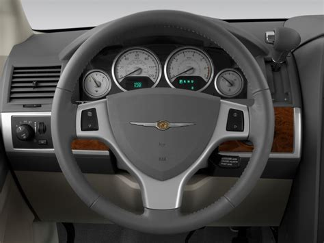 chrysler steering wheel 2008 chrysler town country reviews and rating motor trend