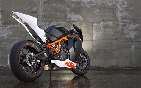 Ktm R8 Ktm 1190 Rc8 R Diaries Of A Boy