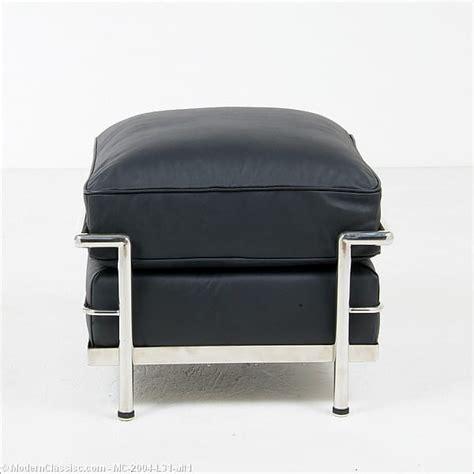 le corbusier ottoman le corbusier lc 2 ottoman premium shiny black leather