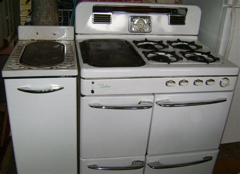 old caloric ovens   50s? Ultramatic Caloric gas stove