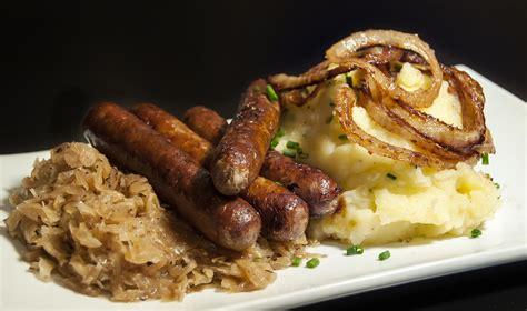 bratwurst and sauerkraut n 252 rnberger bratwurst with sauerkraut the little gsp