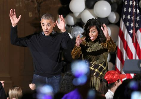 barack obama y su esposa a ritmo de soul los obama bailan a ritmo de thriller washington hispanic