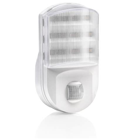light sensor night light super bright plug in pir motion sensor led night light