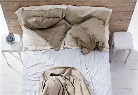 don t make your bed don t make your bed in the morning here s why