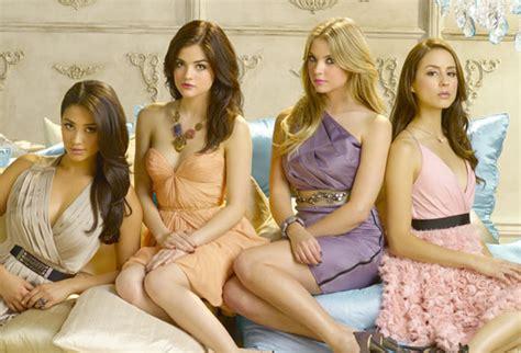 new girl tv series 2011 full cast crew imdb pretty little liars picked up for a third season screener