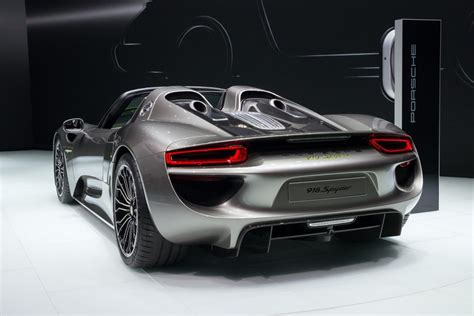 fastest porsche 918 porsche 918 spyder the fastest accelerating production car