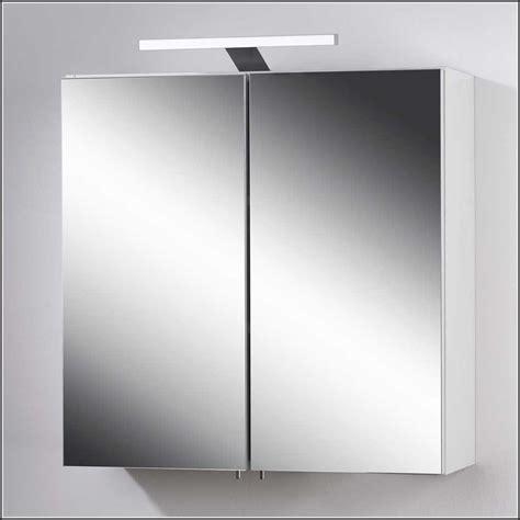 badezimmer spiegelschrank mit led beleuchtung badezimmer spiegelschrank mit led beleuchtung