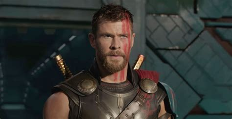 film thor com chris hemsworth s thor battles the hulk in thor ragnarok