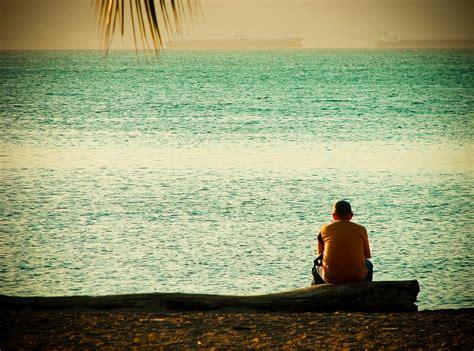 imagenes de yoga frente al mar frente al mar esta foto la tom 233 en el paseo col 243 n el