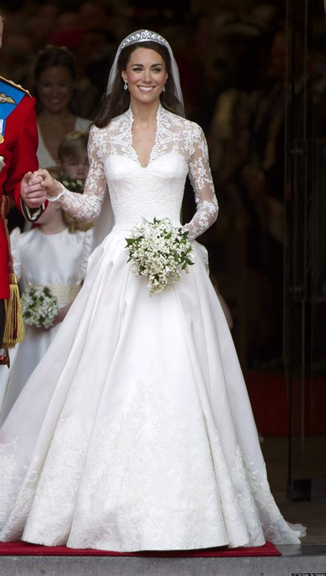 kate middleton dresses royal wedding anniversary does kate s dress still hold up