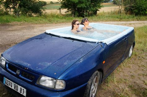 Cars Bathtub by Rollin Car Becomes Artsy But Functional Tub