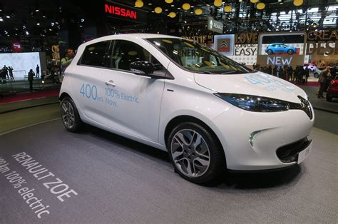 renault zoe new renault zoe paves the way for longer range nissan leaf