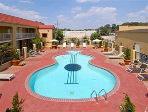 memphis tn hotels near graceland