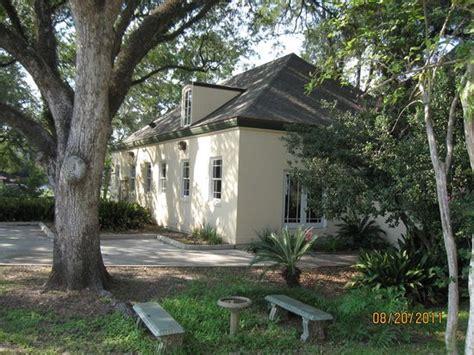 Garden Of Lafayette Gardens Of Alumni House Of Louisiana Picture