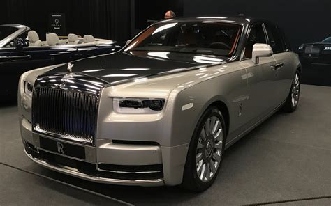 roll royce rouce canadian premiere 2018 rolls royce phantom is the paragon