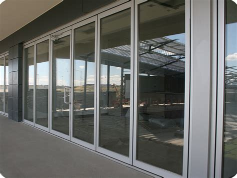 sliding glass walls company that makes thermal insulated polycarbonate folding