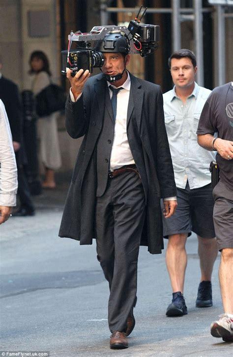 amanda seyfried thriller movies amanda seyfried wraps up in all black to film futuristic