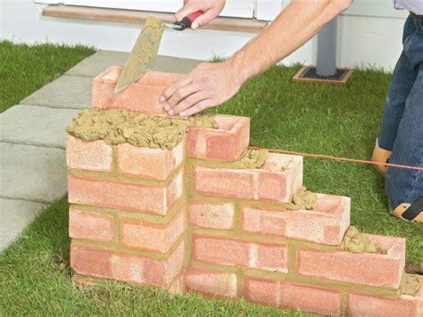 gartenmauer selber bauen gartenmauer aus ziegelsteinen selber bauen anleitung