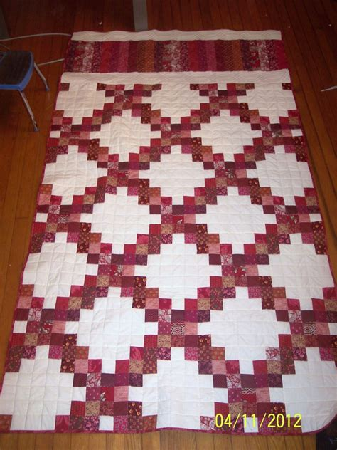 quilt pattern triple irish chain maroon triple irish chain quilt chain quilts pinterest
