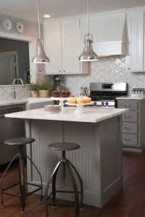 kitchen island for small kitchens best 25 small kitchen islands ideas on small