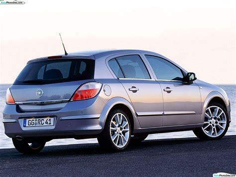 Opel Astra 2010 by 2010 Opel Astra Auto Design Tech