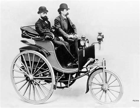 Wann Wurde Das Erste Auto Gebaut by 125 Jahre Patent Motorwagen Wie Das Auto Fahren