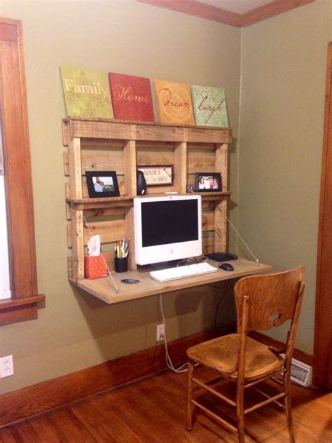 Desk Made Out Of Pallets Desk Made Out Of Pallets Call If You Would Like This Desk
