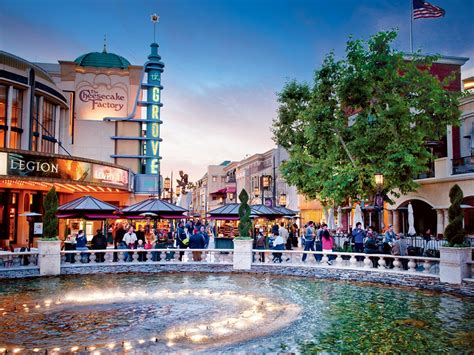 The Grove who what wear is hosting free showings at the grove