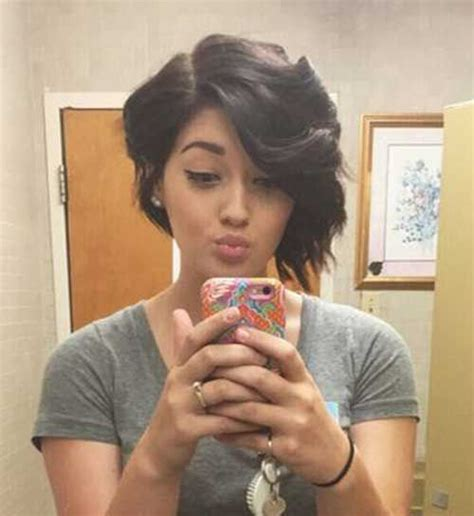 Would You Try An Asymmetrical Bob Like Rihanna And Kellie by Top 25 Best Uneven Bob Ideas On Uneven Bob