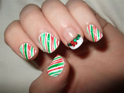 easy nail art for xmas simple christmas nails nail art pinterest christmas