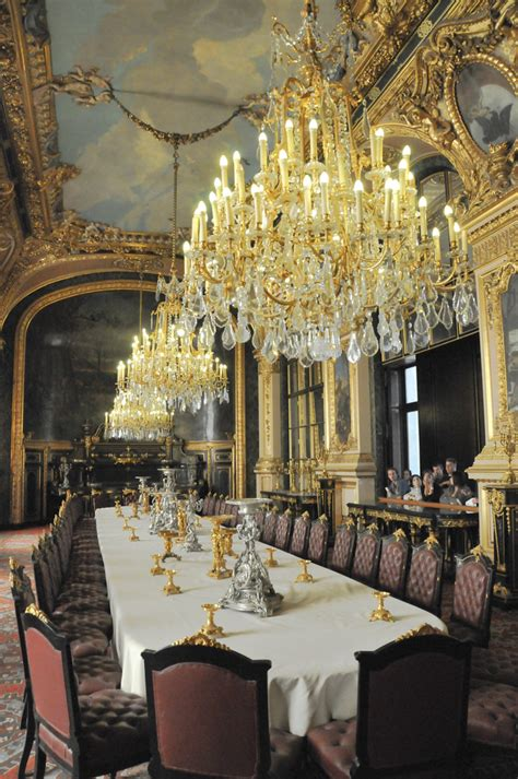 royal dining room french royal palace dining room and chandeliersat louvre p