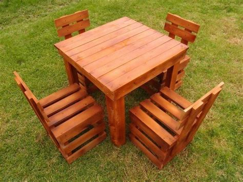 Pallet Table And Chairs by Amazing Pallet Dining Table And Chairs Ideas Pallets Designs