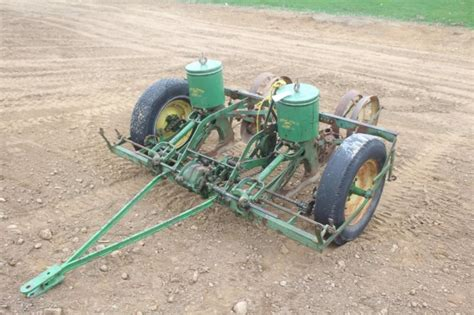 deere 290 corn planter deere 290 2 row corn planter pull type