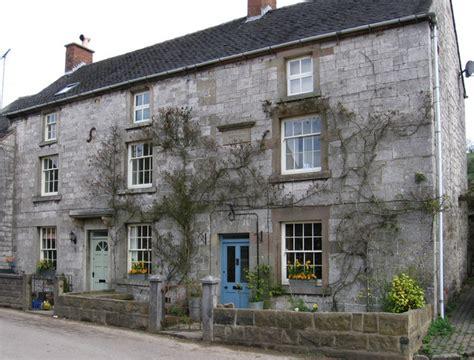 Leamington Cottage by Brassington Leamington Cottage 169 Dave Bevis Cc By Sa 2 0