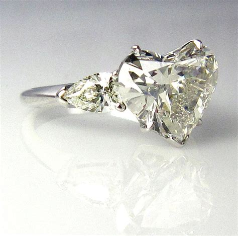 whoa this is like a dream ring love the heart shaped