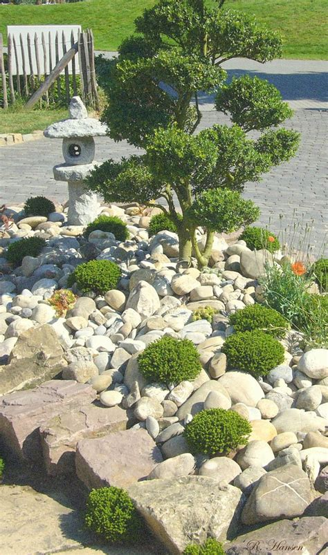 japanese rock gardens best 25 japanese rock garden ideas on zen