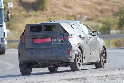 Toyota Juke Spyshots Toyota Crossover Spotted During Tests Will