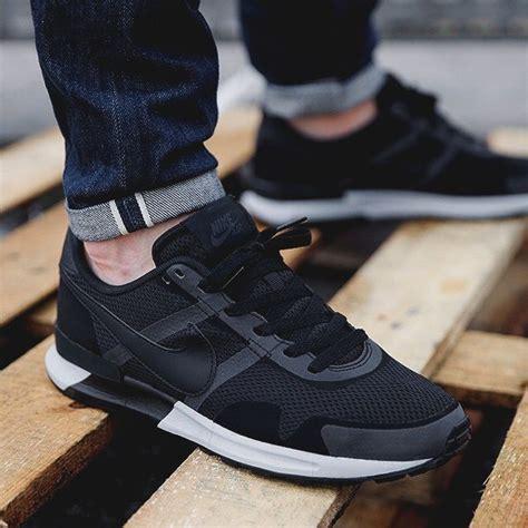 Sneaker Nike Vegasus Azr Black clean crisp black x white nike sneakers nike air