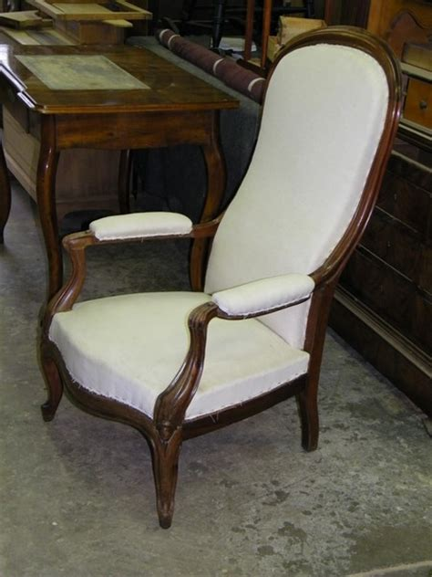 prix d un fauteuil voltaire ancien les fauteuils ont des accoudoirs ou accotoirs atelier de l 233 b 233 niste c cognard eure