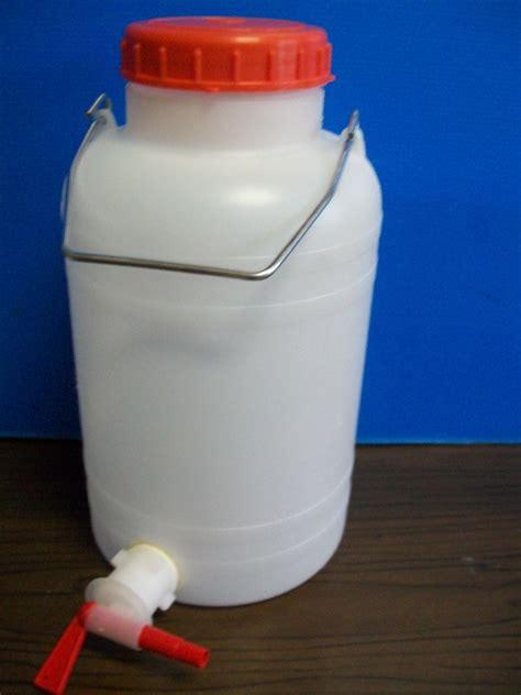 contenitori con rubinetto contenitore lt 5 con rubinetto enotecnica albese