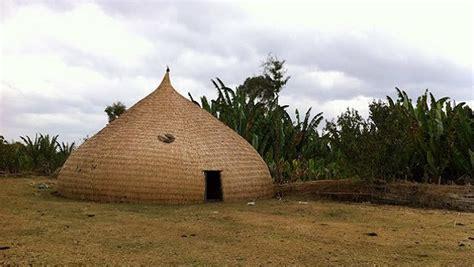 hutte photo la hutte traditionnelle du peuple sidama
