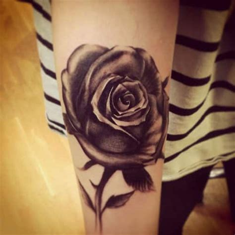 bed of roses tattoo 15 black meanings and designs inkdoneright
