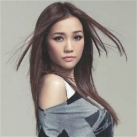 hong kong actress he yan poem kay tse s best songs this is my jam