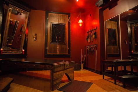 dungeon bedrooms red room chicago dungeon rentals