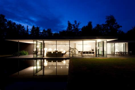 Ultra Modern Houses by Modern Design Ultra Modern Glass House Architecture