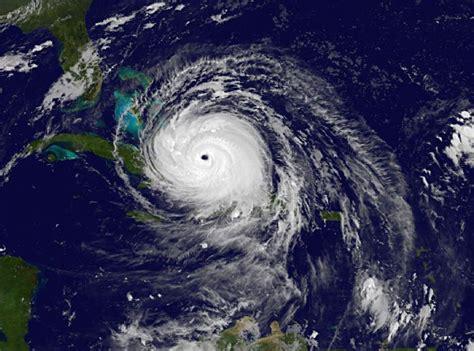 hurricane irma landfall what to about hurricane irma popsugar news