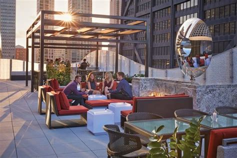 top rooftop bars in chicago the best rooftop bars in chicago