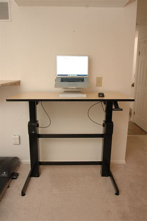 ergotron standing desk ergotron workfit d sit stand desk review deskhacks