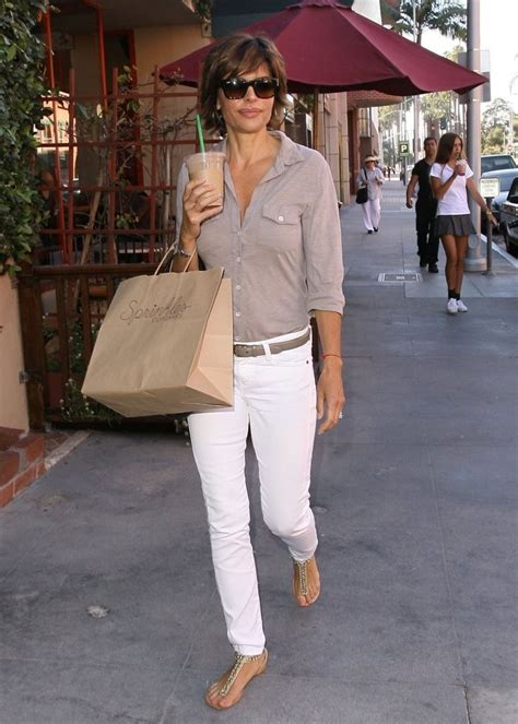 how does lisa rinna stay skinny lisa rinna skinny jeans lisa rinna looks stylebistro